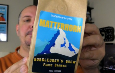 Fresh Baked Unboxing - Trader Sams Coffee