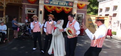 Halloween Dapper Dans feat. Cruella De Vil | Full Show from Main Street